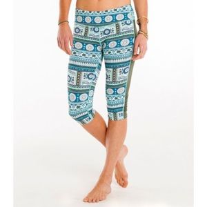 Carve Designs Reed Parisio Hampton Capri Leggings